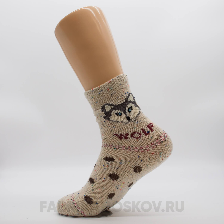 Женские носки с волком